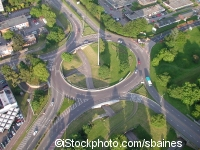 Roundabout in the UK ©iStockphoto.com/sbaines