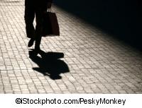 Schatten mit Tasche (©iStockphoto.com/PeskyMonkey)