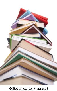 Bücherstapel - ©iStockphoto.com/matezsolt