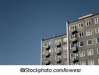 Ein Wohnblock aus der 60er - ©iStockphoto.com/lowesr